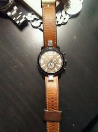 round silver chronograph watch with brown leather strap Hamilton, L9C 4L5