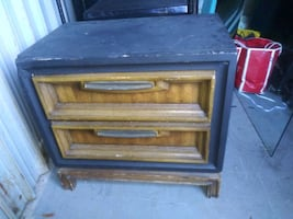 A old 2 draw desk dresser can be painted