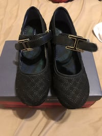 Size 3 Tommy Hilfiger girls shoes in good condition