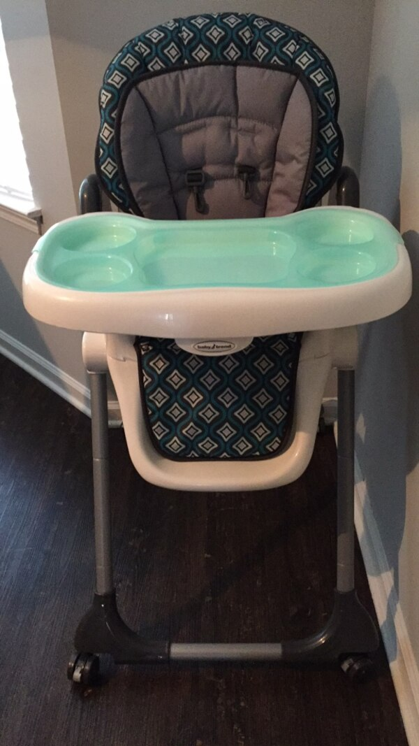 7c947c5652db Used Baby Trend Deluxe 2-in-1 High Chair - White and green high chair for  sale in Atlanta - letgo