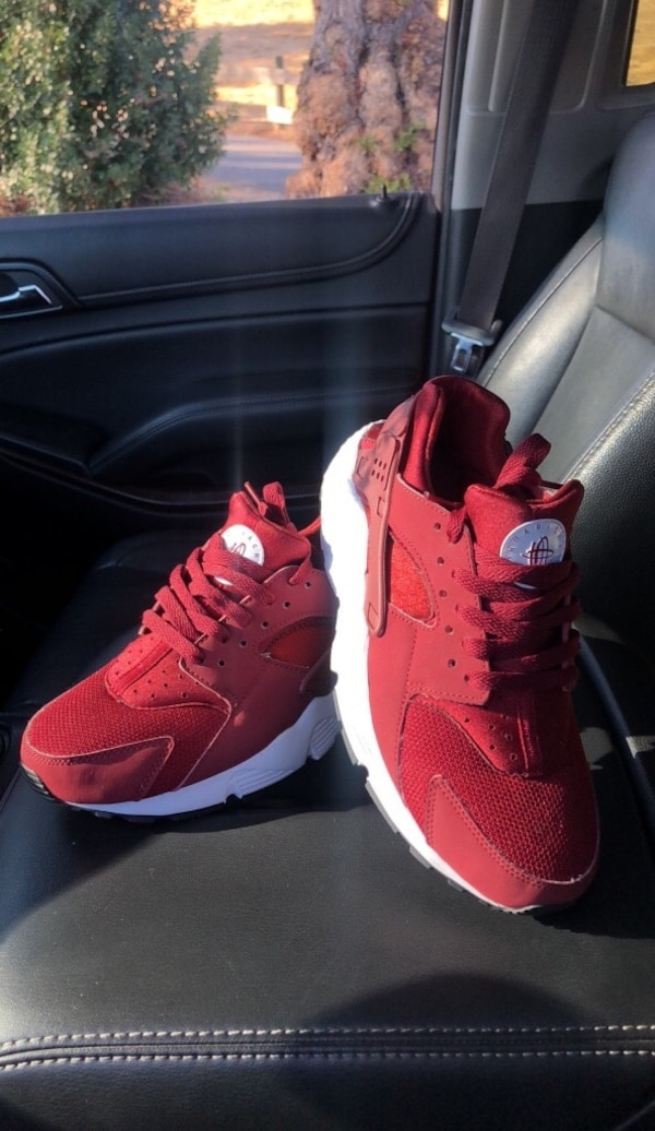 17fc7fcdc0c5 Used Nike Huaraches Youth Size 6.5 for sale in San Jose - letgo