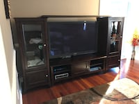 Entertainment Center Alexandria, 22306