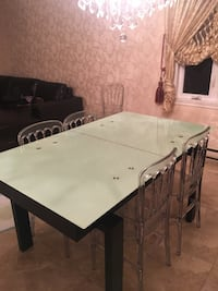 Glass table Laval, H7P 5N1