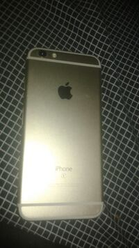 IPHONE 6S for parts screen Crack and lock Surrey, V3T 5Y1