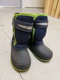 Kids winter boot in great condition