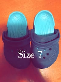 Size 8 crocs Kitchener, N2P 1P1