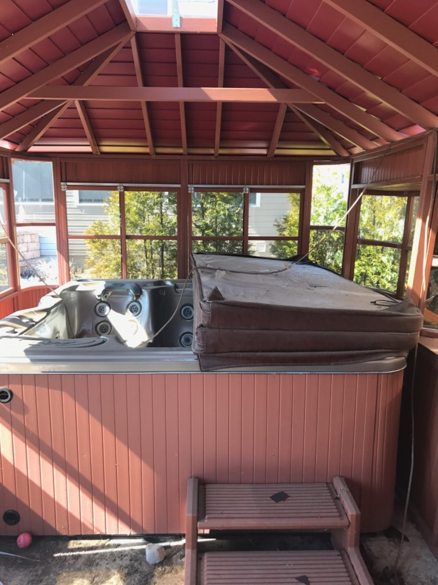 Used hot tub jacuzzi and gazebos in howell for Cal spa gazebo