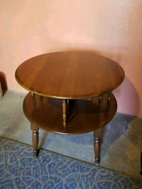 Round brown accent table/end table