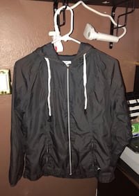 gray windbreaker size small Spring Valley, 91977