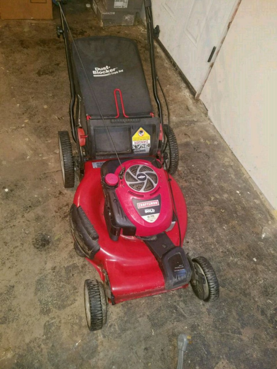 Photo Craftsman Mower Self-Propelled GOLD Lawnmower with bag
