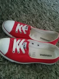 women size 8 converse red