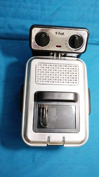 T-fal Filtra Pro Fryer - used once Mississauga