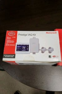 Honeywell digital thermostat  Brampton, L6W 3R6