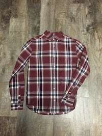 Plaid size small shirt excellent condition smoke free home Byron pickup  Byron, 61010