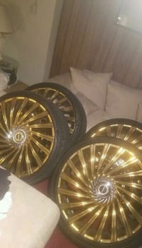 26 inch Strada  Rims and Tires six lugs!!!!!