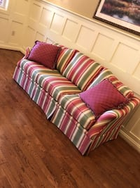 "Couch  ""Heritage House"" very well made in very good clean condition.  Crozet, 22932"