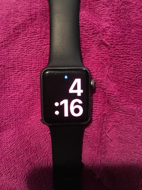 Series 1 38mm comes with charger & other watch bands