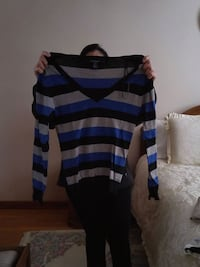 gray, black, and blue striped v-neck sweater Toronto, M3N 1E4