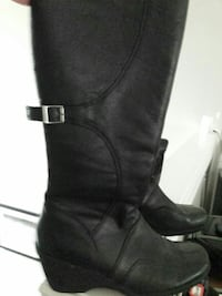 Hush puppy  black leather boots 25.