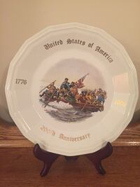 BI-CENTENNIAL COLLECTOR'S PLATE (Plate Stand Not Included) 1470 mi