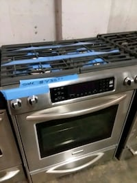 Stainless steel stove gas 5 burners  Baltimore, 21223