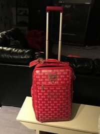 Guess carry on luggage pink Laval, H7V 1B3