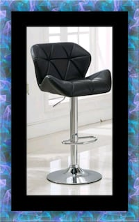 Black bar stool 31 mi