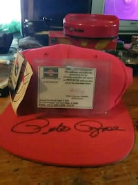 Pete rose signed hat Canaan, 04924