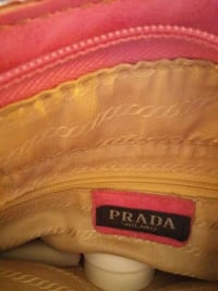 red and white Supreme leather bag Woodstock, N4S 1Y8