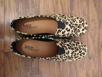 pair of brown-and-black leopard flats 2181 mi