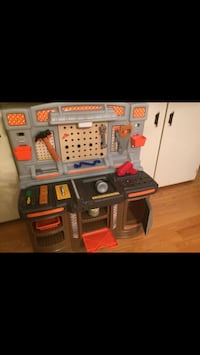 Home Depot Tool workbench/workshop kids with tools