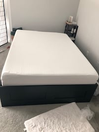 Queen bed and memory foam Silver Spring
