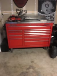red and black tool chest Fresno, 93720