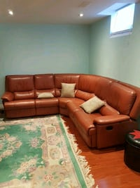 Leather corner couch for sale Richmond Hill, L4E 0J9