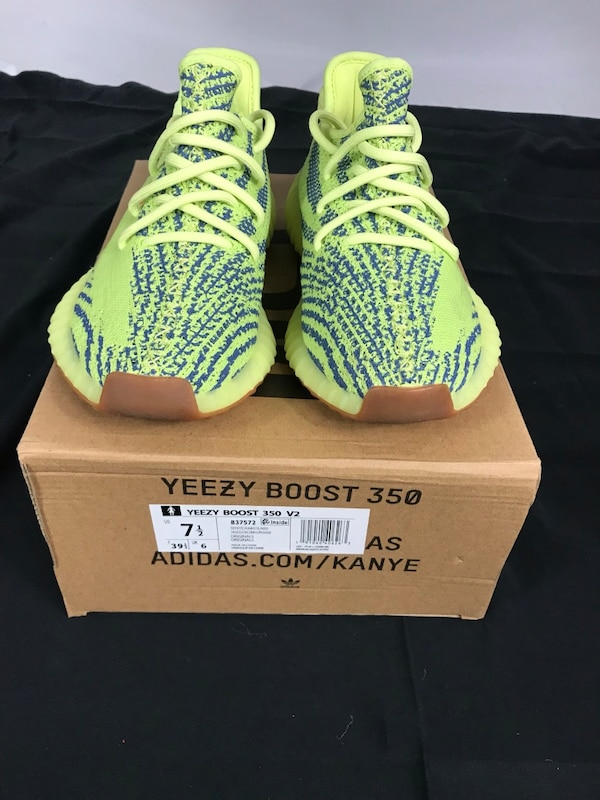 Used STOCKX Verified -YEEZY Boost 350 V2 Semi Frozen Yellow for sale in Grand  Prairie - letgo d78781014