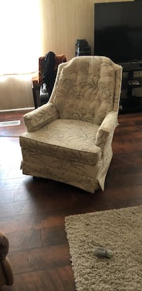 living room chair does not recline Cocoa, 32926