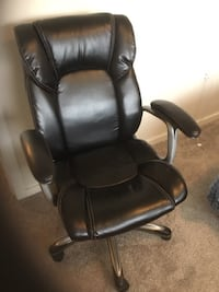 Office chair, excellent condition