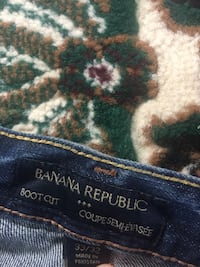 Men's jeans size 33 for sale  Calgary, T3E 6R6