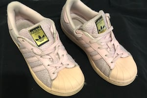 Adidas Super Star Sneakers size 1Y in good condition