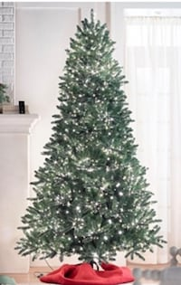 9' Pre lit Christmas tree 4,000 microlight LED lights 12 km