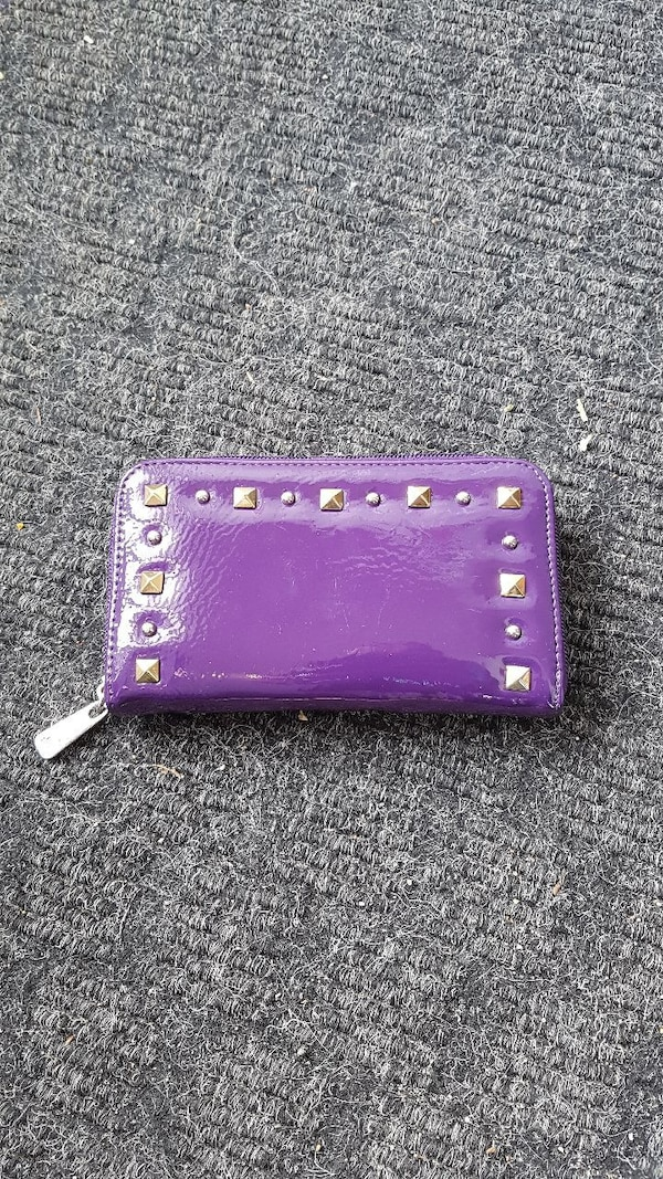 Grace Adele wallet
