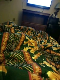 black, green, and yellow floral bed comforter La Plata, 20646