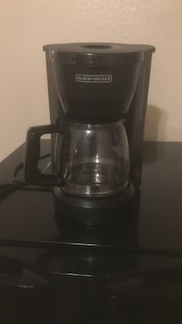 5 cup coffee maker with about 170 filters Casper, 82609