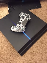 Ps4 with Camo Controller