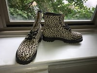 black-and-brown leopard print boots 35 km