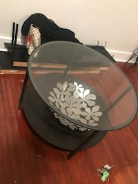 Wooden/Glass coffee table Miami, 33137