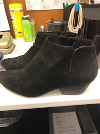 Cute Size 9 women's booties  Toronto, M5J 2J3