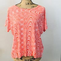 Coral & White Scoop Neck Top. Large Killeen, 76542
