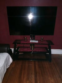 Tv stand.....Tv not included Garfield, 07026