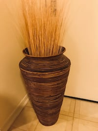 """28"""" tall large rattan vase free sticks click on my profile picture for more listings pick up in Gaithersburg md20877 Gaithersburg"""